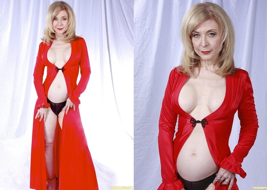 Nina Hartley Plays Woman in Red - MILF Nude Gallery