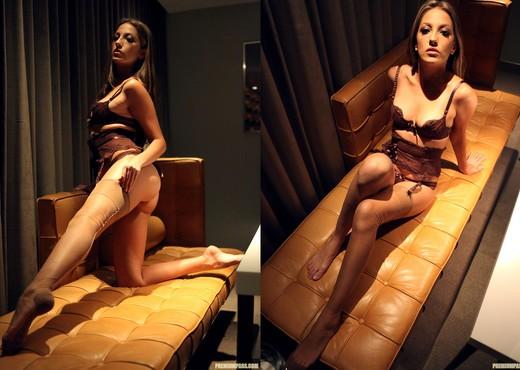 Jenna Haze Horny at the Booty Call Spot - Pornstars Nude Pics