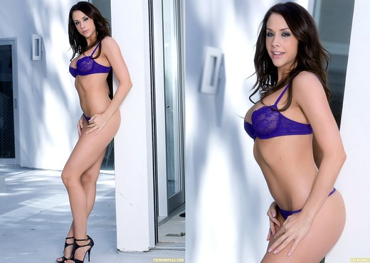 Chanel Preston - Naked Play Time - Pornstars Sexy Gallery