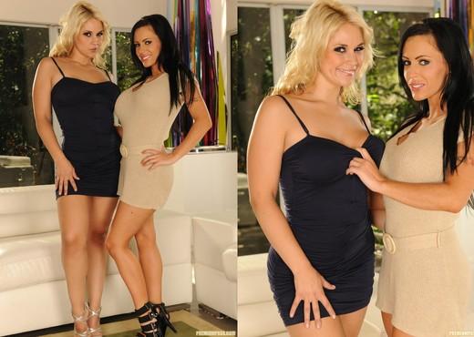 Jenna Presley and Sarah Vandella Boiling Over - Lesbian Porn Gallery