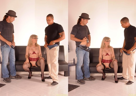 Nina Hartley Gets a 2 on 1 - MILF HD Gallery