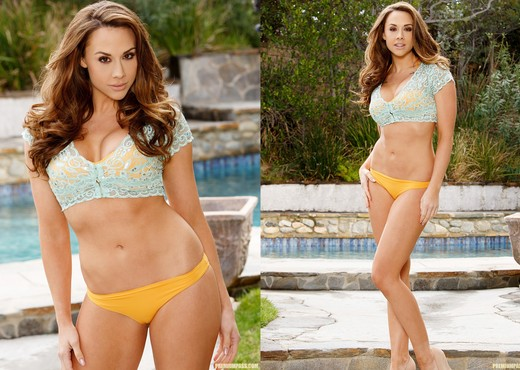 Chanel Preston - Showing Off Gets Me Hot - Solo Porn Gallery
