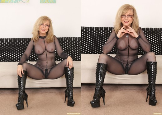 Nina Hartley - Full Body Pantyhose and Face Sitting - MILF Picture Gallery