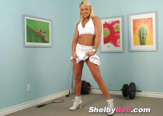 Shelby Bell - Teen Porn Gallery