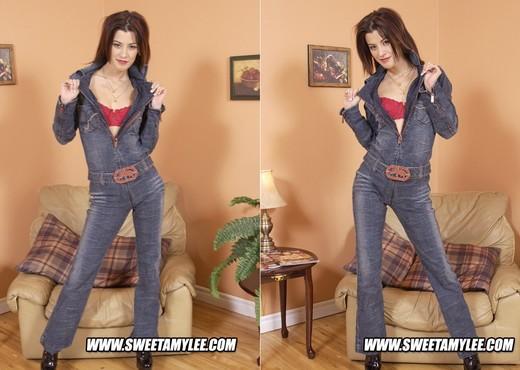 Sweet Amylee - Teen Image Gallery