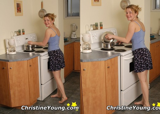 Christine Young - Teen Sexy Photo Gallery