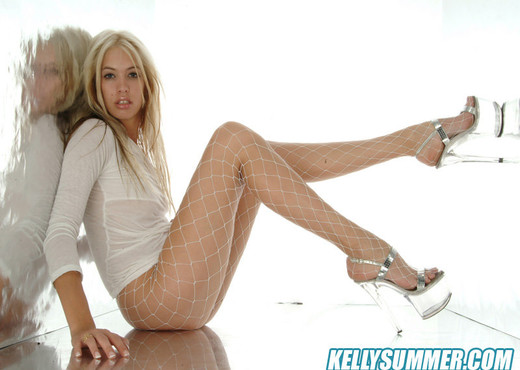 Kelly Summer - Teen Image Gallery