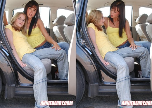 Annie Berry, Cute Angie - Lesbian Hot Gallery
