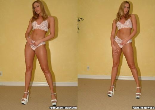 Lauren Phoenix - Solo Nude Gallery