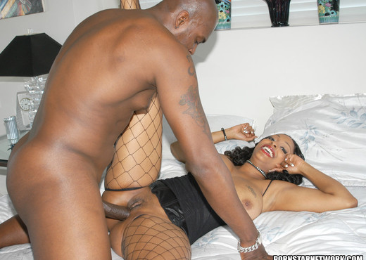 Massive Chested Black Babe Carmen Hayes Gets Tit Fucked And - Ebony Sexy Photo Gallery