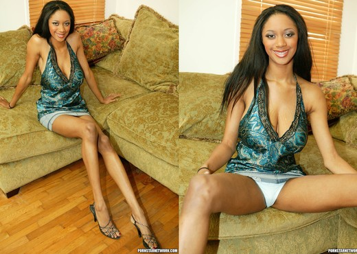 Ebony Tyra Moore's Big Tits, Long Legs and Gorgeous Face - Ebony Porn Gallery