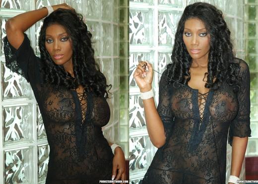 Hardcore Fucking with Ebony Naomi Banxxx - Ebony Nude Pics