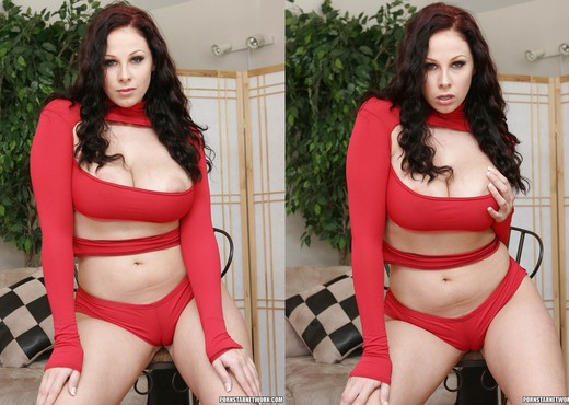 Gianna Michaels Valentine Strip & Blowjob - Blowjob Sexy Gallery