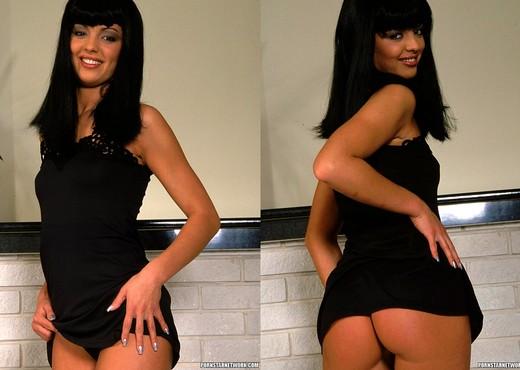 Vanessa - Stunning Brunette Gets Anal - Anal Porn Gallery