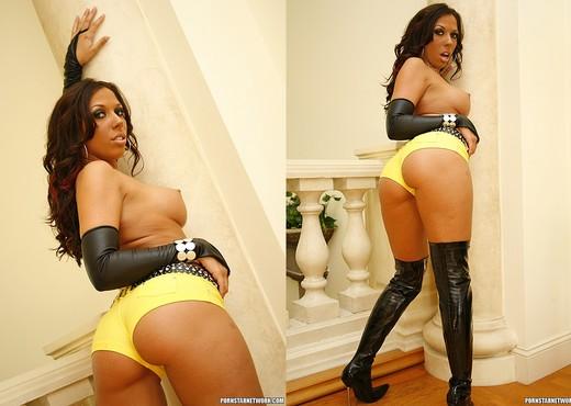 Rachel Starr - Fine Ass and Horny Pussy - Hardcore TGP