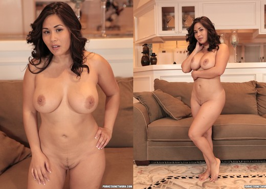 Alyssa Reece and Jessica Bangkok - Lesbian Sexy Photo Gallery
