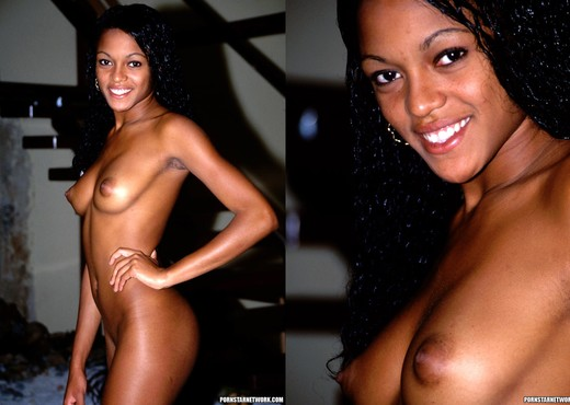 Thais Smiles and Bends Over - Ebony Picture Gallery