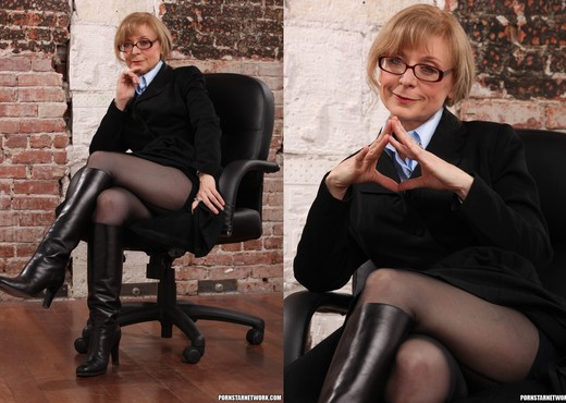 Nina Hartley - Boss Lady's Secret - MILF Image Gallery