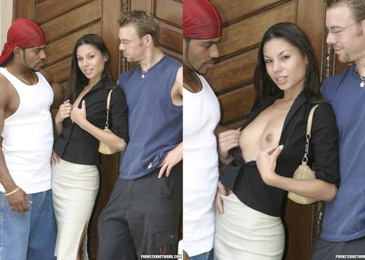 Vanessa Gets Her Double Fix - Hardcore Nude Pics