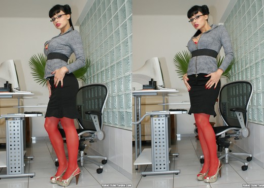 Aletta Ocean - Home Office Nooner - Anal Sexy Photo Gallery