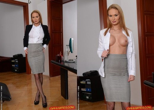 Kery Miller - Office Gossips - DPFanatics - Hardcore Picture Gallery