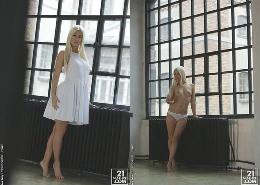 Jessie Volt - White Dress - 21Naturals - Hardcore TGP