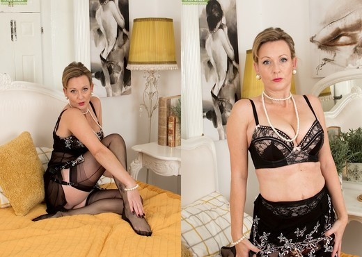 Huntingdon Smyth - Karup's Older Women - MILF Hot Gallery