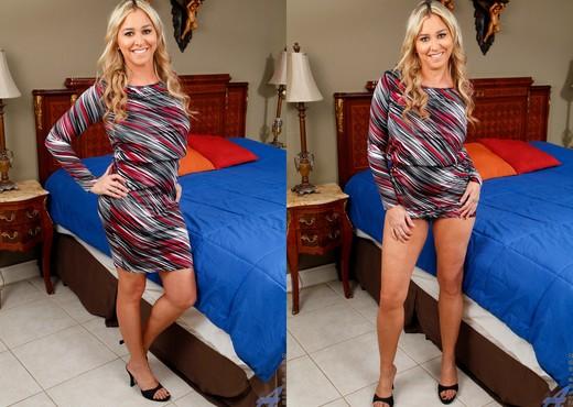 Angela Harley - Hit The Spot - MILF Hot Gallery