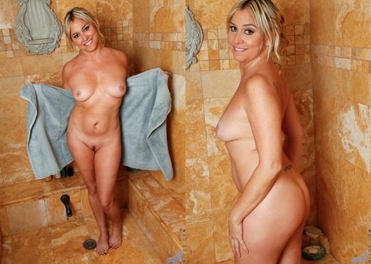 Angela Harley - Loofah Me - Anilos - MILF Nude Pics