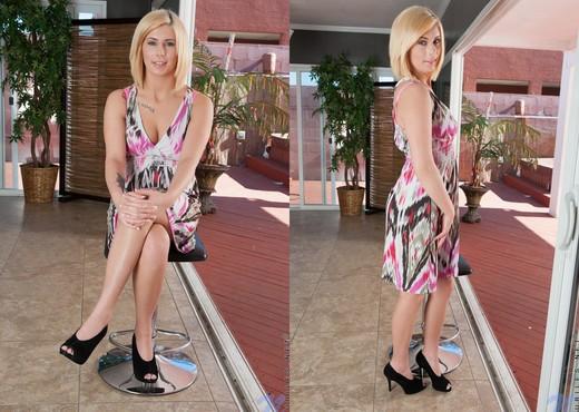 Cindy Lou - Nubiles - Teen Solo - Teen Sexy Photo Gallery