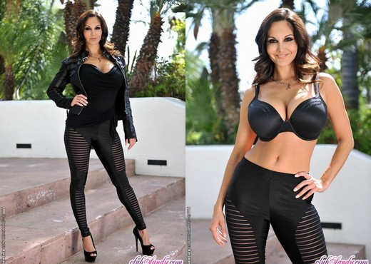 Ava Addams - Lady Private Eye - Club Sandy - MILF TGP