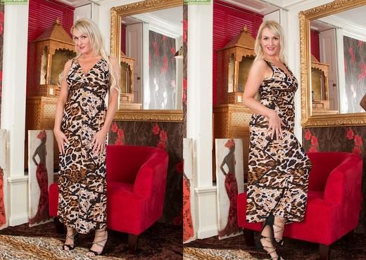 Jade Wilson - Karup's Older Women - MILF Sexy Gallery