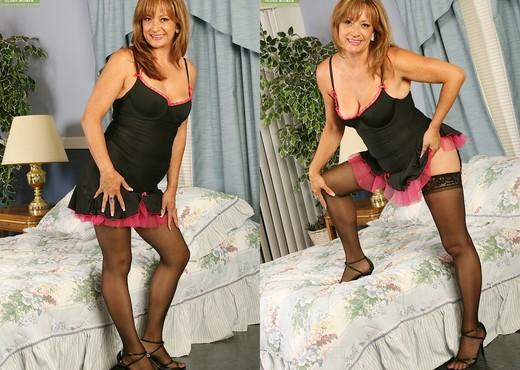 Bella Donna - Karup's Older Women - MILF Nude Pics