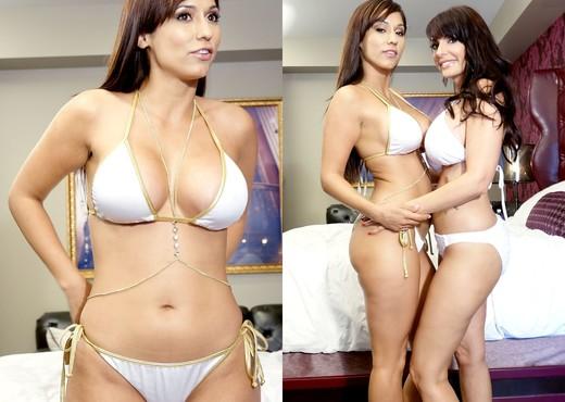 Catalina Cruz & Reena Sky - Blowjob Sexy Gallery