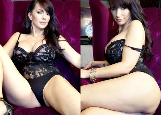 Catalina Cruz - Sweet N Spicy - Blowjob Image Gallery
