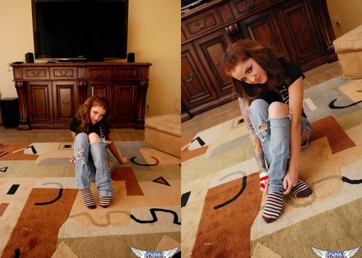 Jeska Vardinski - Ripped Jeans - SpunkyAngels - Solo Nude Pics