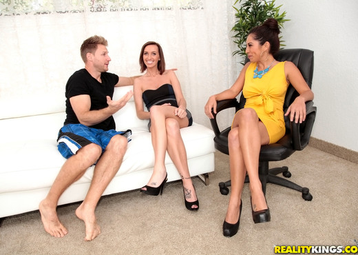 Sofia Rivera - Assume The Position - MILF Hunter - MILF HD Gallery