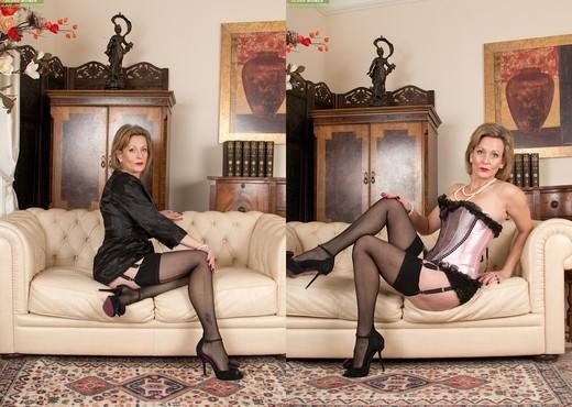 Huntingdon Smyth - Karup's Older Women - MILF Nude Pics
