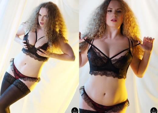 Jezebelle Art Nude - Spinchix - Solo Porn Gallery