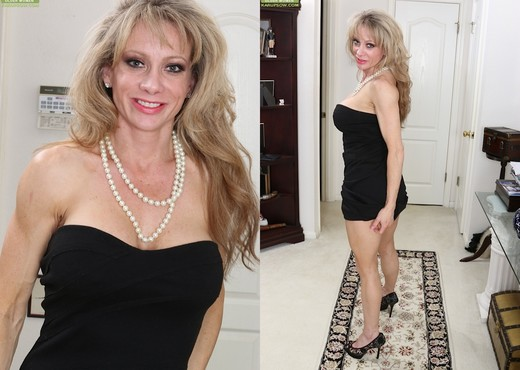 Christina Brim - Karup's Older Women - MILF Hot Gallery