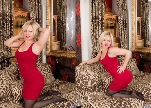 Sophie May - Play Room - Anilos - MILF Nude Gallery