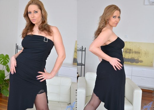 Daria Glower - Little Black Dress - MILF Porn Gallery