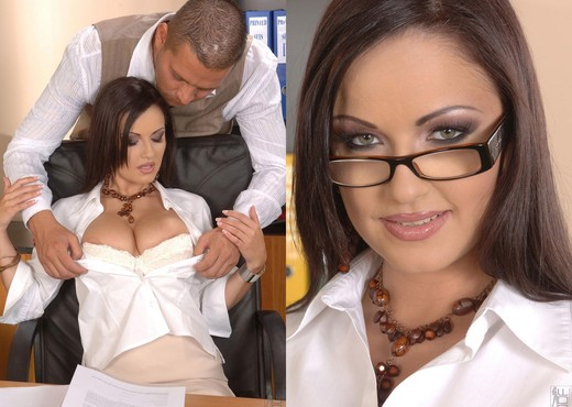 Lucy - 1by-day - Anal TGP