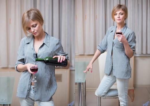 Suzana - Fine Wine - Anilos - MILF Porn Gallery