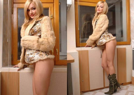 Fur coat - Alexandra - Solo Porn Gallery
