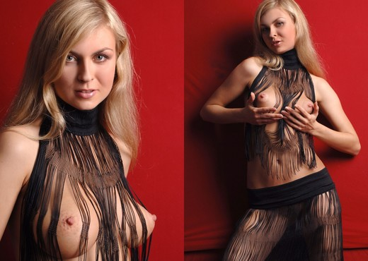 Black outfit - Aphina - Solo Hot Gallery