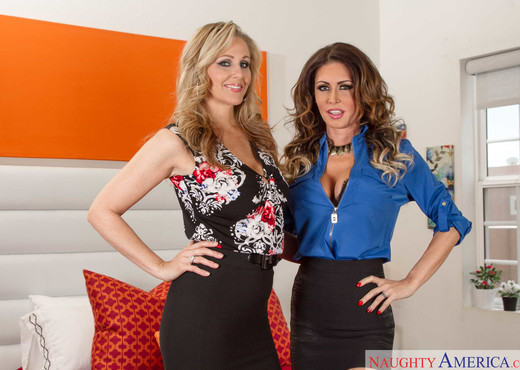 Jessica Jaymes, Julia Ann - Seduced By A Cougar - MILF Nude Pics