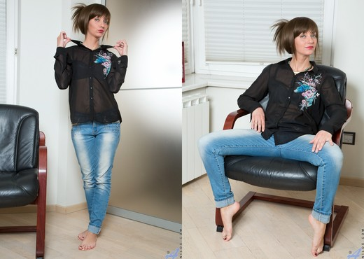 Lisa Xxx - What A Woman - Anilos - MILF Image Gallery
