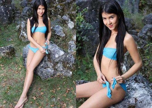 Wild Teen - Lady Dee - Watch4Beauty - Solo Sexy Photo Gallery