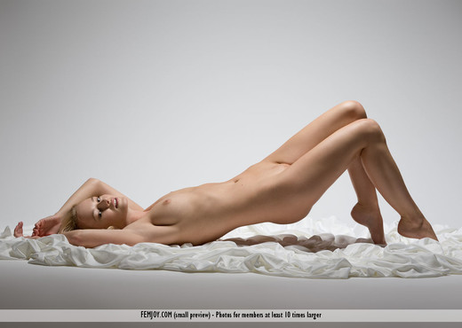 Desire - Gabi - Femjoy - Solo Sexy Gallery